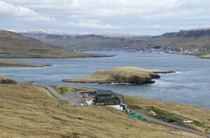 IRF í Trøllavík steingir kl. 12 hósdagin